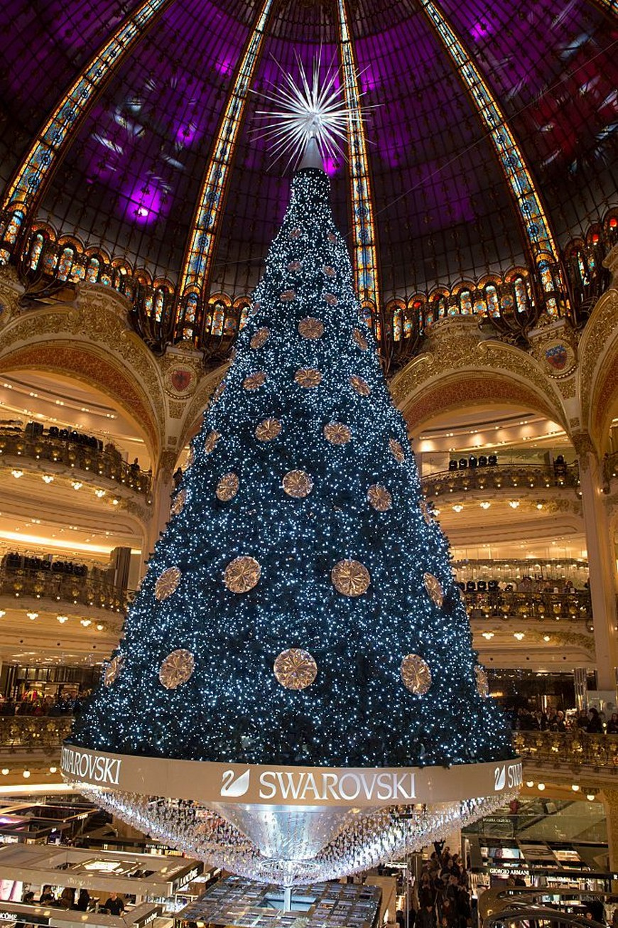 10 of the Most Spectacular Christmas Trees Ever