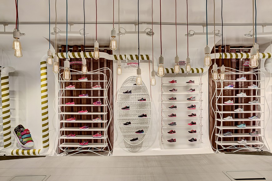 Check Out this Skechers Store in Istambul by Zemberek Design Zemberek Design Created The Best Skechers Store in Istanbul 4