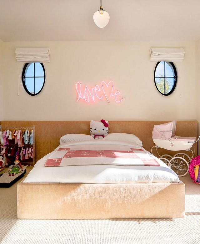 Penelope Disick has the ultimate girls bedroom decor